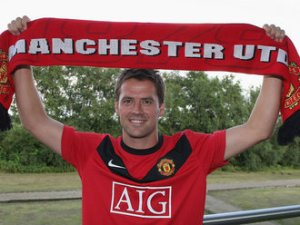 Michael-Owen-Manchester-United-scarf_2325091